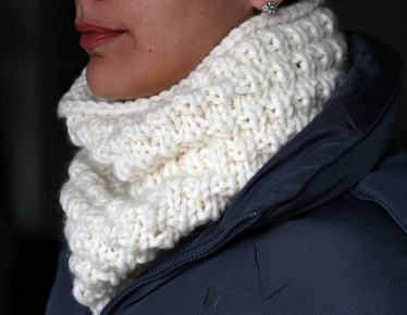 Snow Cowl by TenTen Knits